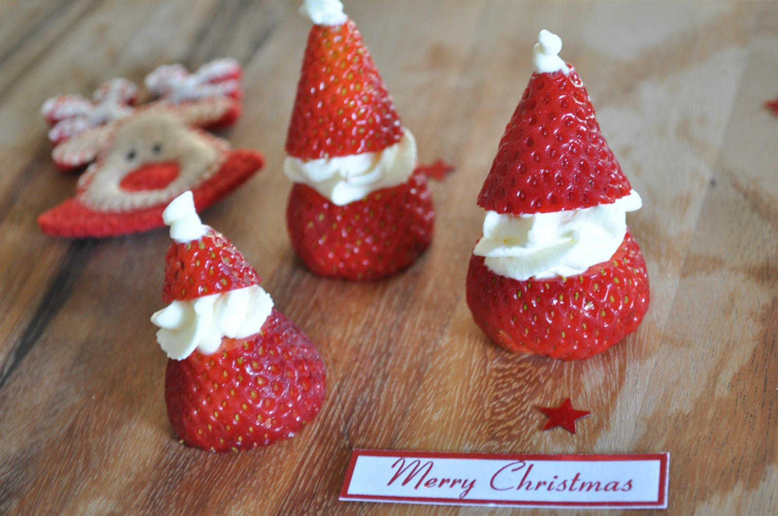 Santa strawberries – it's begining to look a lot like Christmas!