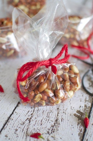 Chili peanuts via www.clairekcreations.com