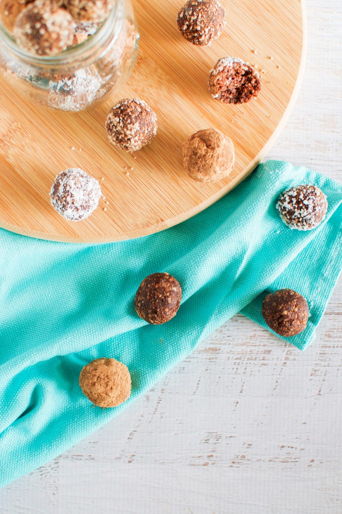 Nutella bliss balls via www.clairekcreations.com