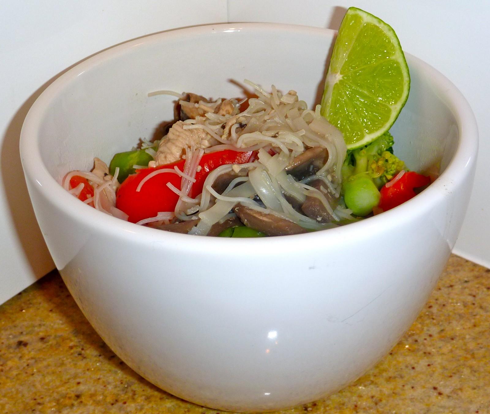 Chicken Pad Thai – low calorie version