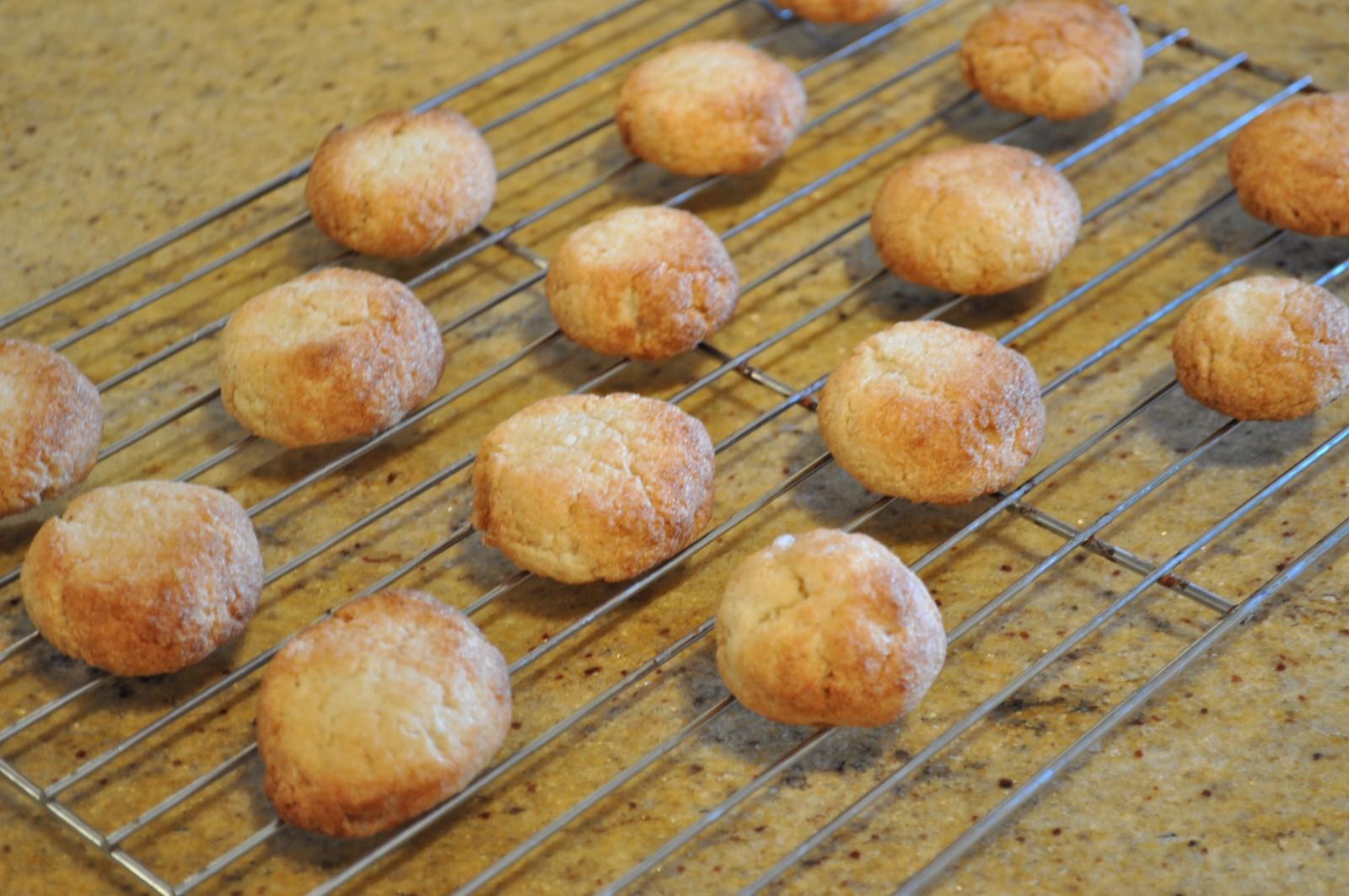 Amaretti cookies