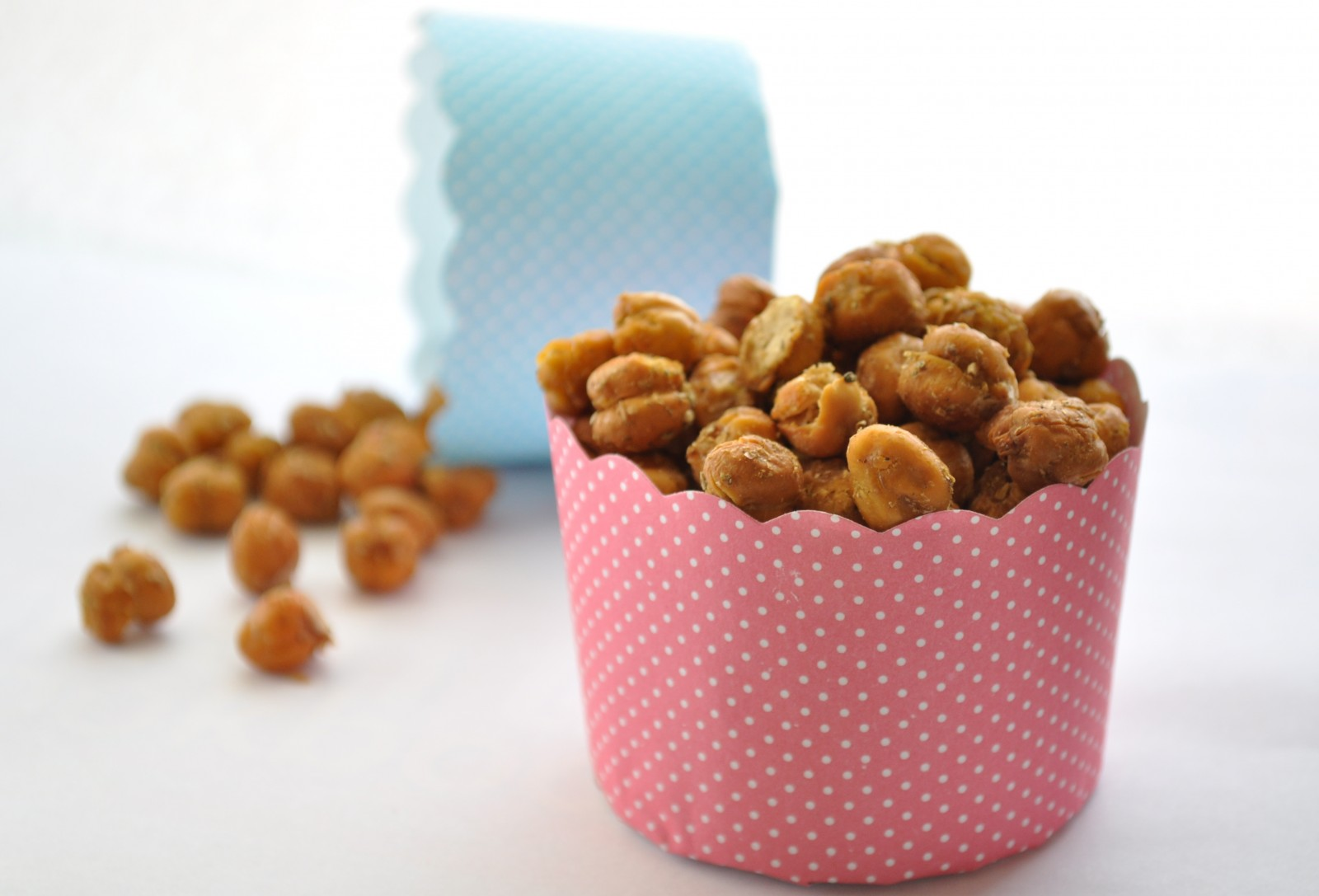 Crispy roasted chickpea nibbles