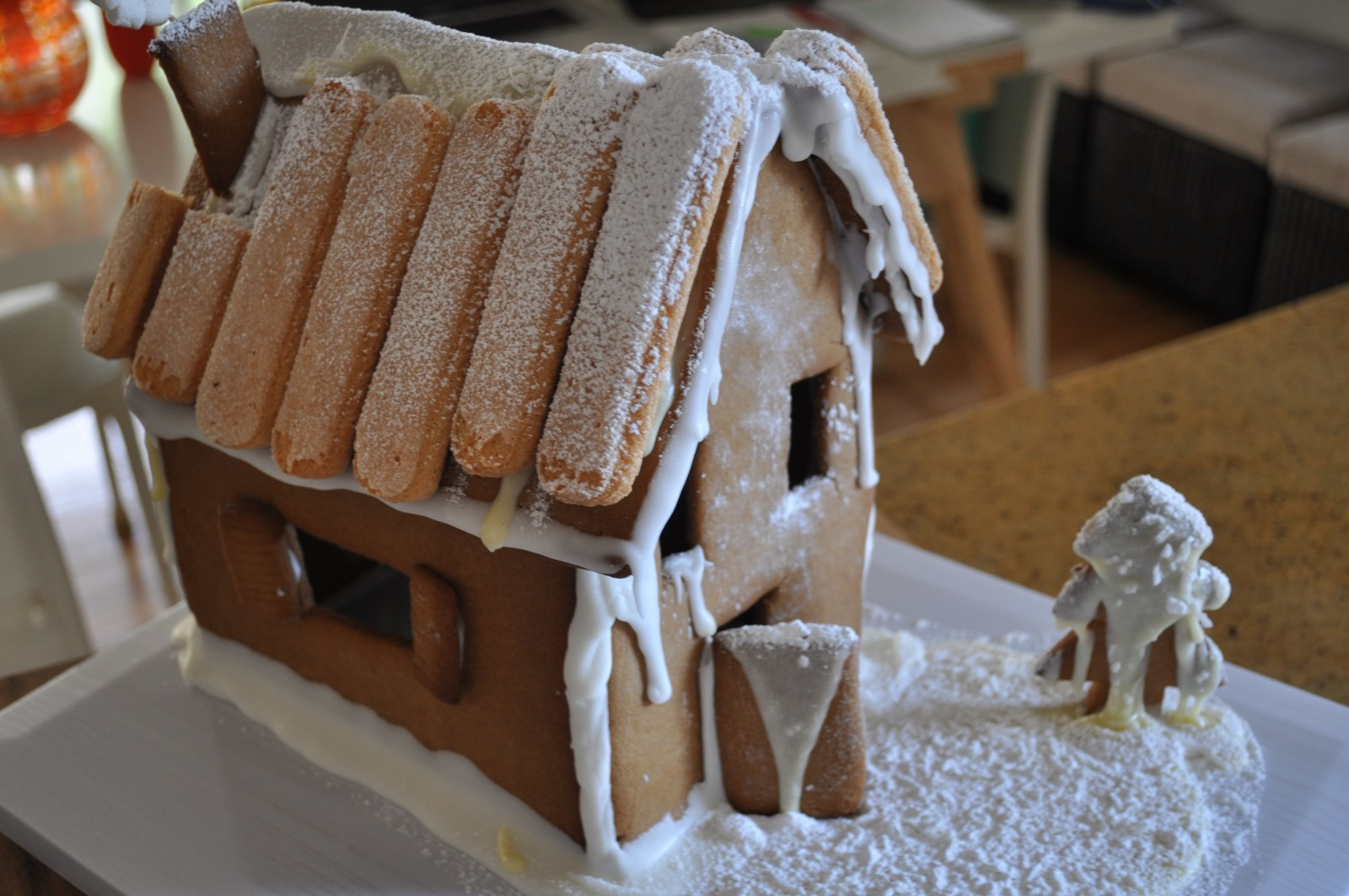 Gingerbread house building – Sweet adventures blog hop