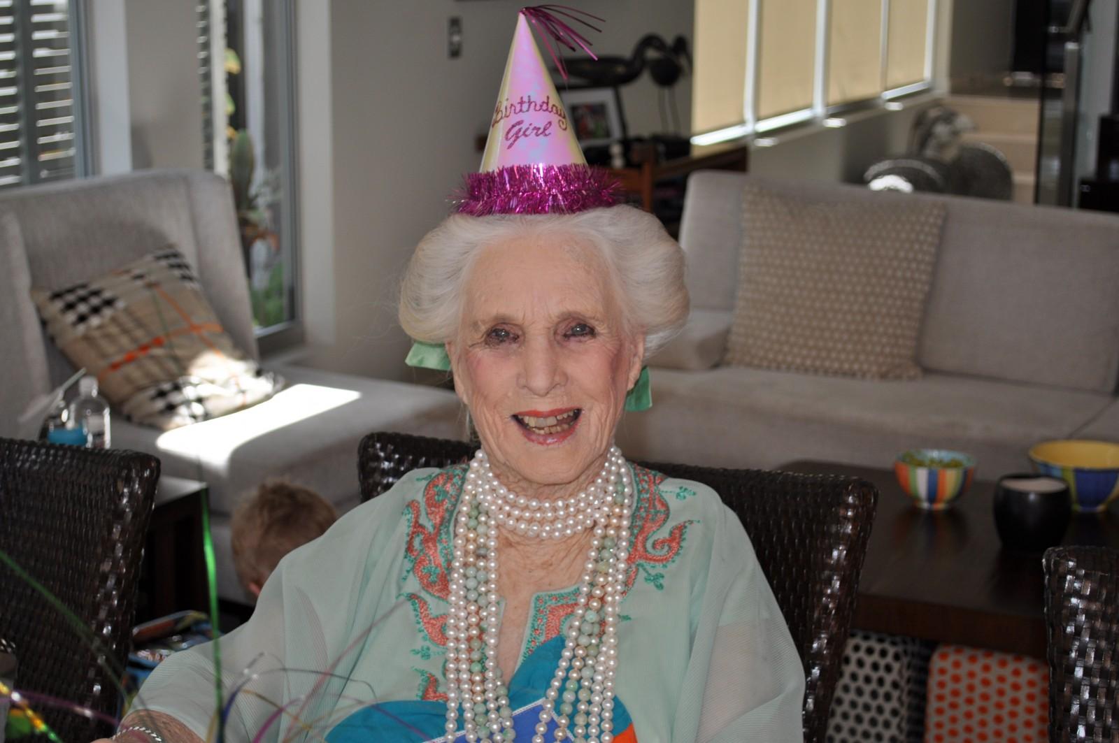 Открытка, бабушка с днем рождения фото