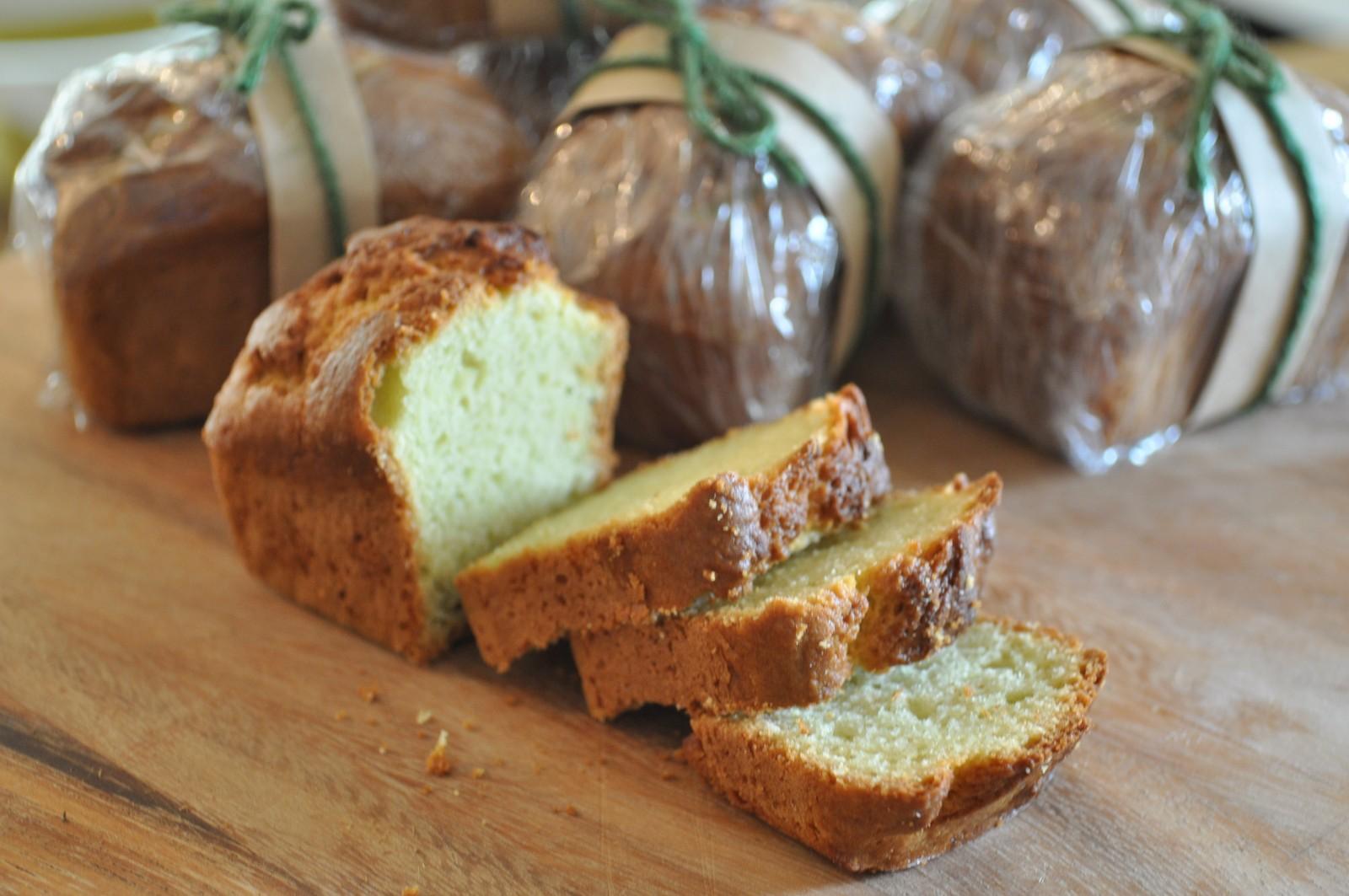 Avocado loaf cakes