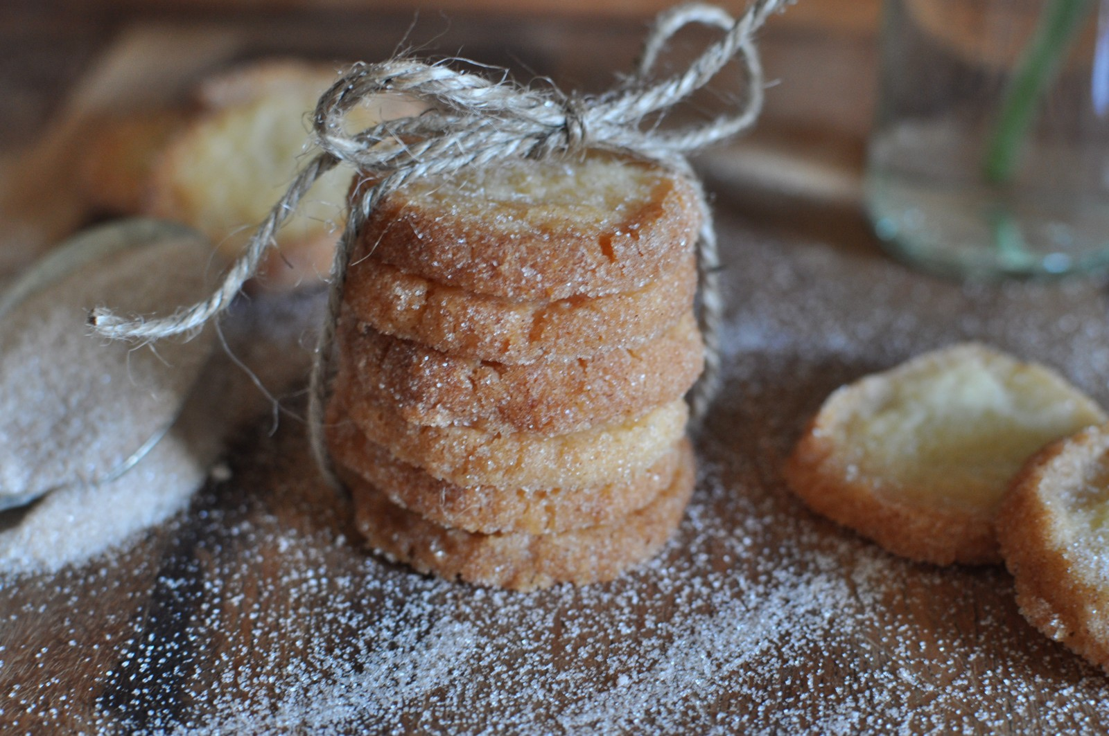 Cinnamon circles – just like a cinnamon tea cake only crunchy