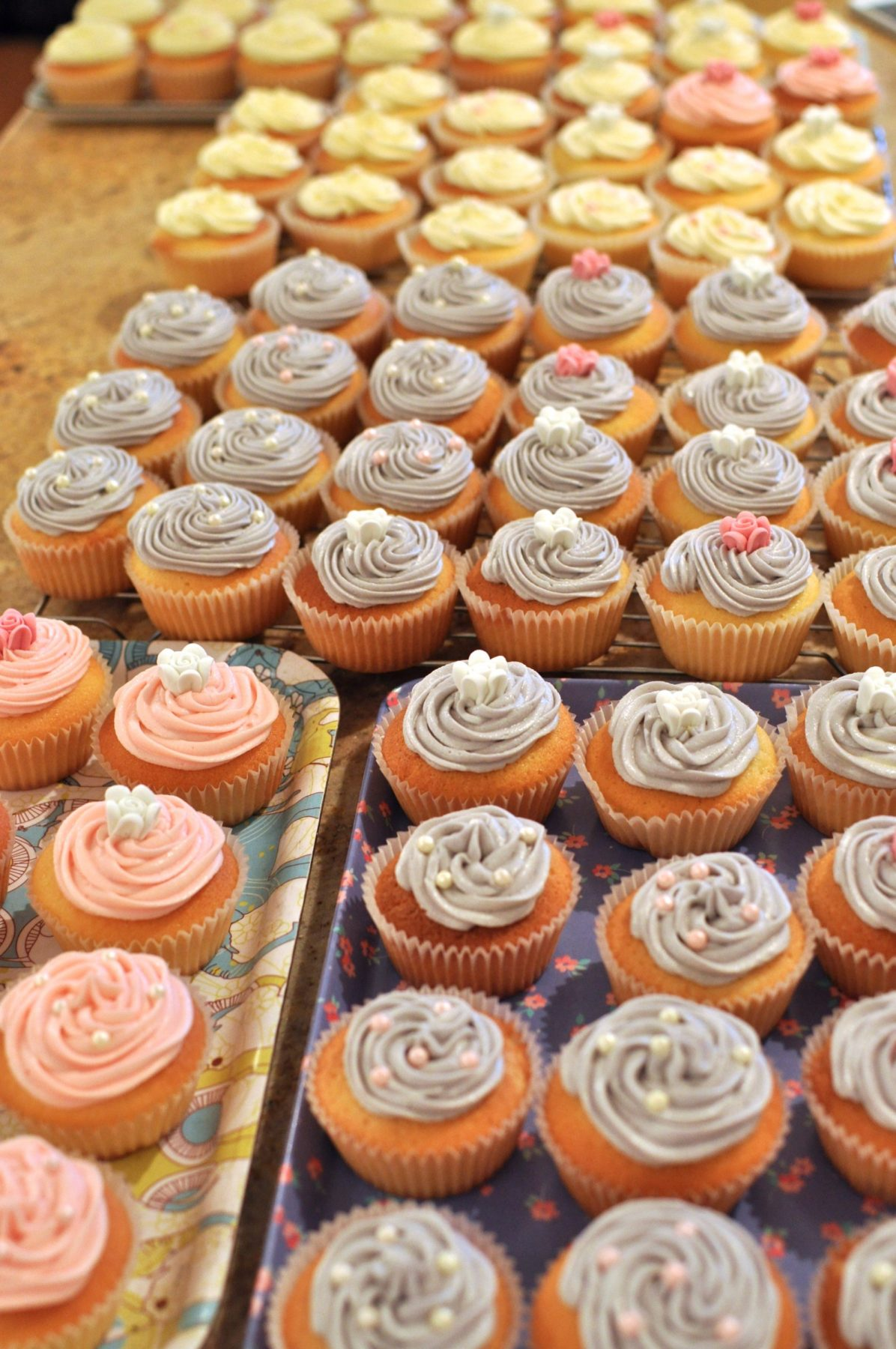 Baking wedding cupcakes – 100 of them!