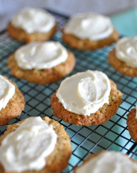 Carrot cake biscuits