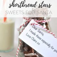 Chocolate spiced shortbread stars - Sweets for Santa