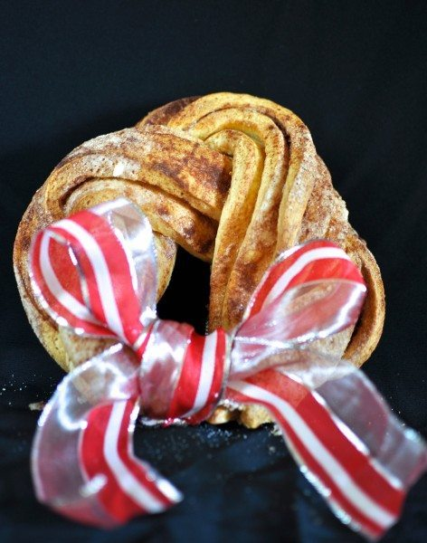 Cinnamon loaf wreath