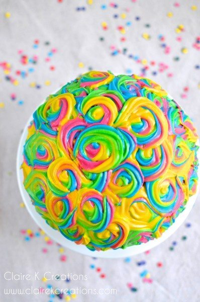 Pinata cake via Claire K Creations - www.clairekcreations.com