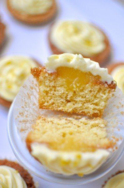 Lemon cupcakes with lemon curd filling