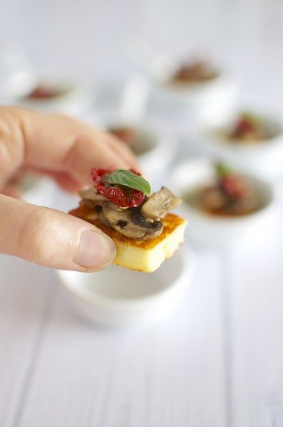 Haloumi mushroom bites with sundried tomato and basil via www.clairekcreations.com