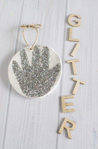 Glitter handprint ornament via www.clairekcreations.com