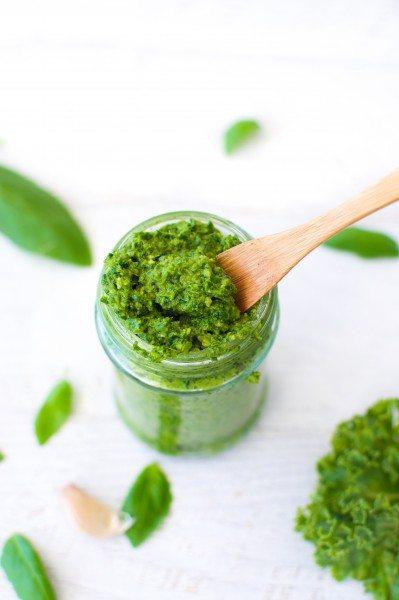 Kale pesto with macadamia via www.clairekcreations.com