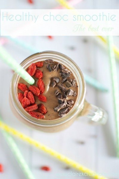 The best ever healthy chocolate smoothie via www.clairekcreations.com