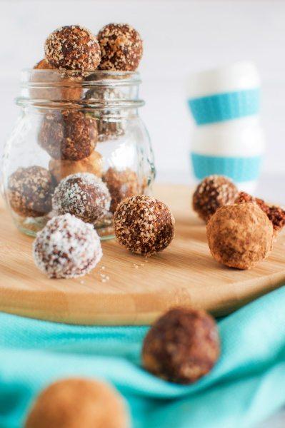 Nutella bliss balls via www.clairekcreations.com