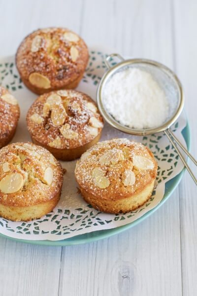 Passionfruit and white chocolate friands via www.clairekcreations.com
