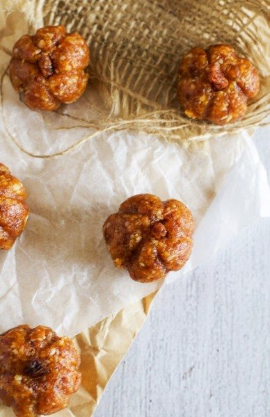 Pumpkin apricot and macadamia balls via www.clairekcreations.com