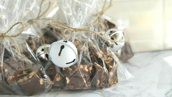 Peanut salted caramel chocolate bites