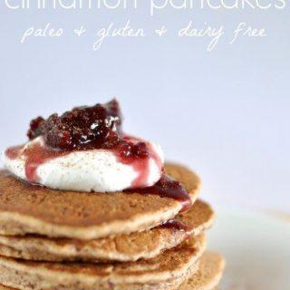 Almond and cinnamon paleo pancakes