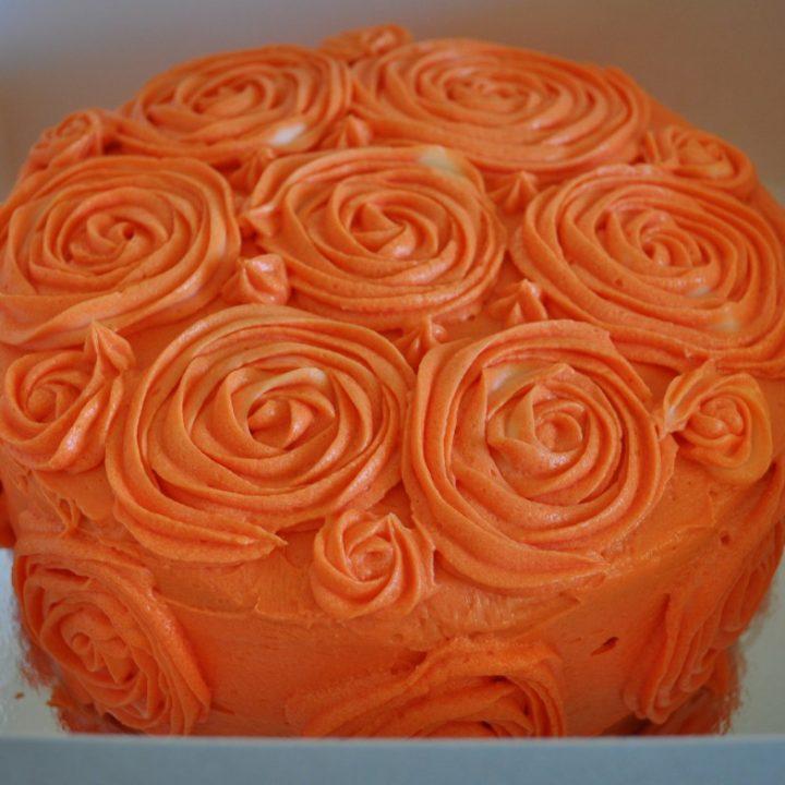 Greek yoghurt and raspberry cake
