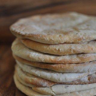 Easy peasy pita bread and a very quick dinner idea