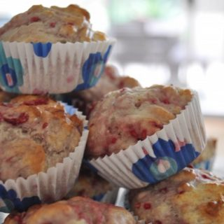 Raspberry ricotta low-calorie muffins