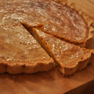 Pumpkin pie with shortbread crust - make your own pumpkin puree