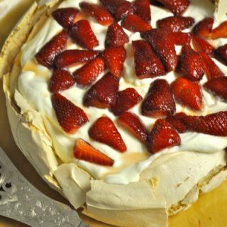 Brown sugar pavlova with vanilla yoghurt cream - Australian pavlova blog hop