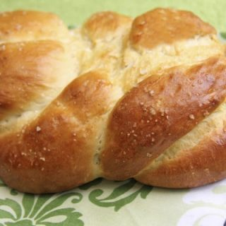 Honey sea salt Challah bread (in 5 minutes) - a guest post from The Cafe Sucre Farine