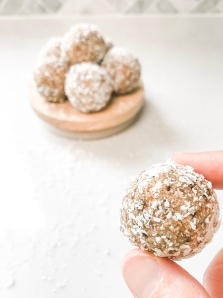Banana bread bliss balls for lunchboxes and snacks