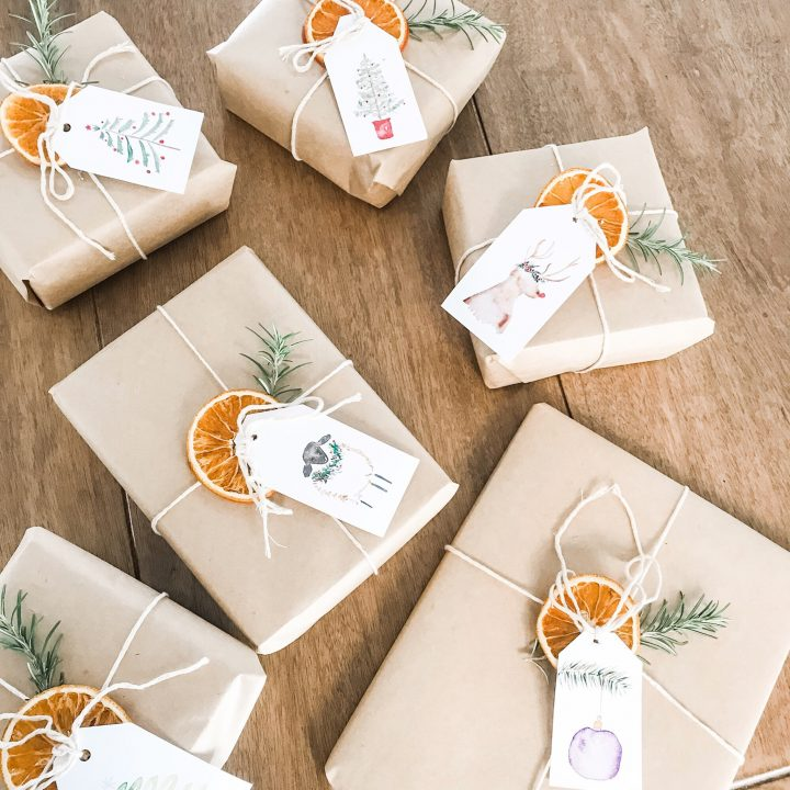 How to make dried oranges for Christmas decorating or present wrapping - eco-friendly, biodegradable Christmas gifts and wrap.