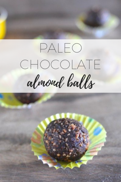 Paleo chocolate almond balls - easy and delicious snack.